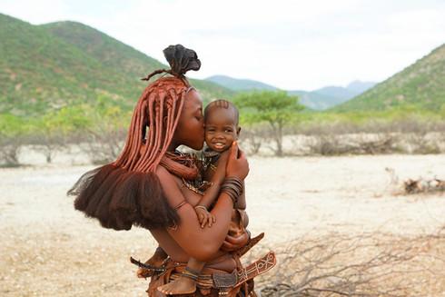 Himba mit Kind