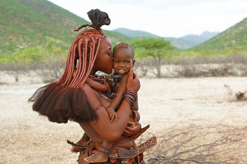 Himba Kuss in Namibia