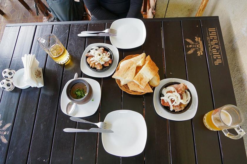 Lavash, Schaschlik und Bohnen - Deftiges Essen in Georgien