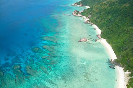 Strand auf Aka Island von oben