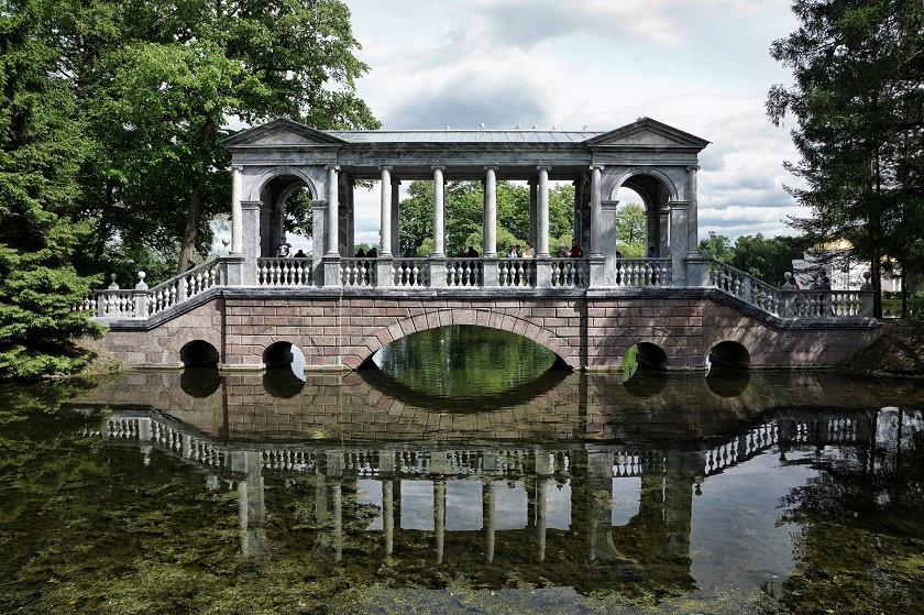 Brücke im Katharinen-Park - Sankt Petersburg