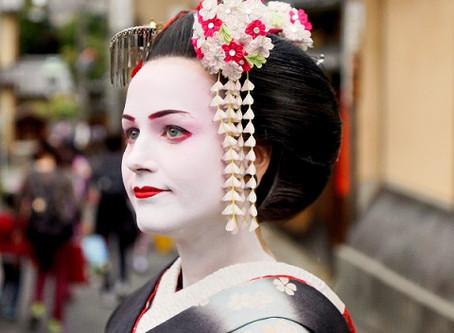 Kyoto: Gion mit seinen Maikos und Geishas