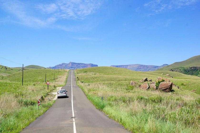 Strasse im Giant's Castle Game Reserve - Südafrika