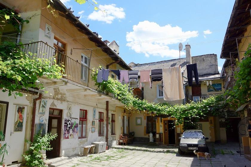 Typischer Hinterhof in Lviv