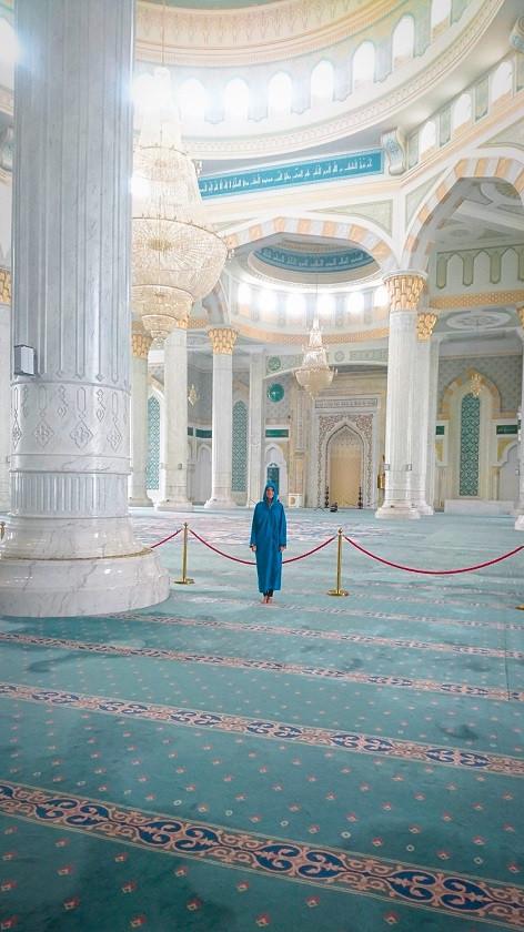 Kati in der Hazret-Sultan-Moschee