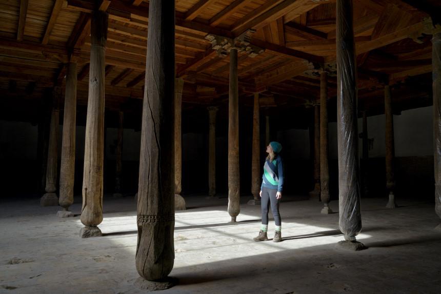 Holzsäulen in der Juma Moschee in Khiva