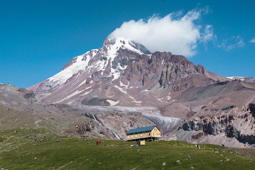 Aussicht auf den Gergeti Gletscher - Georgien