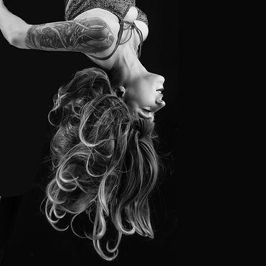 Lottie Nik.jpg
