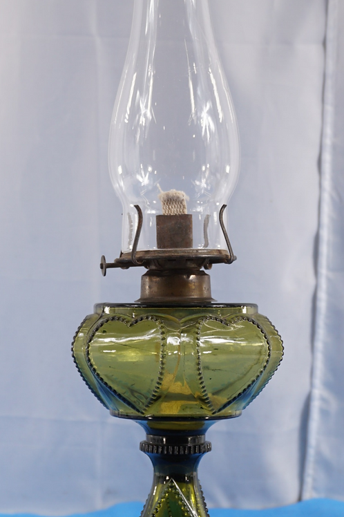 1890s Queen Heart Oil Lamp By Danzel Gilmore - Leighton Co