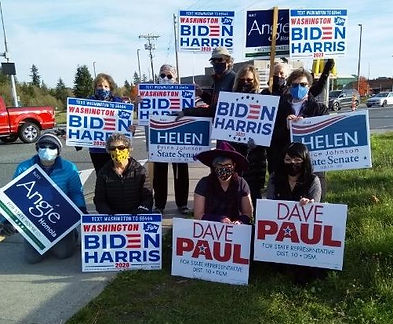 sign waving Stanwood 10-31.jpg