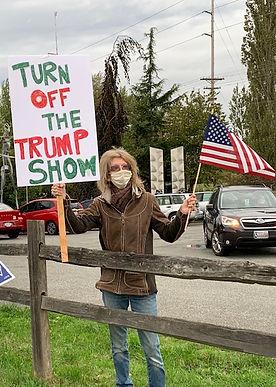 sign wave trump show.jpg