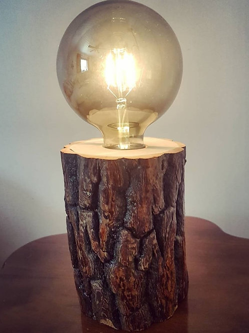 Bordslampa i naturdesign