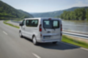 Opel-Vivaro-Combi-302041.jpg