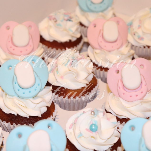 Gender reveal dummy cupcakes