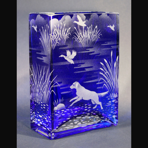 Duck Hunting Dogs Wetalnd Etched On Blue Rectangle Vase Code A148
