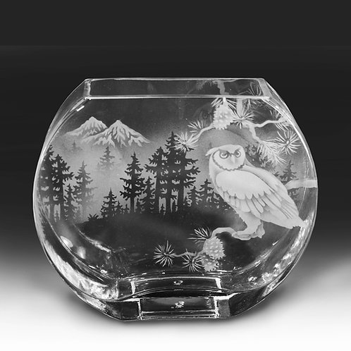 Horned Owl with Mountain Scene Etched on Clear Profile Vase  Code: B472 CL GPVD