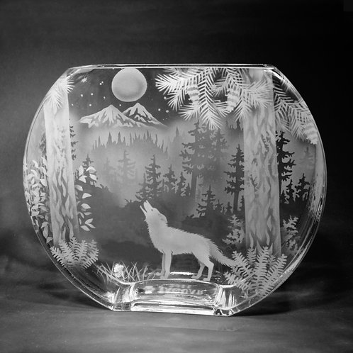 Wolf Moon Mountain Scene Etched on LG Profile Vase  Code: A885 CL GPVD
