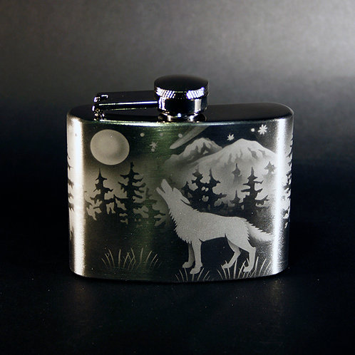 Wolves Howling at the Moon Etched on a 4oz Flask  Code; A885 SS 04FC