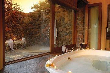 tuningi-safari-lodge-room-luxury-family-bathroom-3_-_767w.jpeg