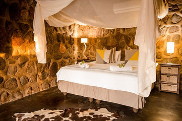 CHACMA-chalet-double-bed.jpg