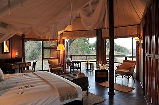 hamiltons-tented-camp-bedroom-590x390.jp