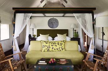 khwai leadwood Bedroom-interior.jpg