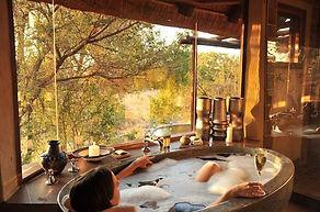 lukimbi-safari-lodge-bubble-bath-590x390.jpg