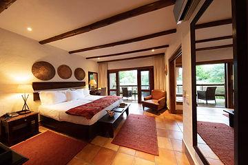Kapama-River-Lodge-Standard-Suite-full-room-view.jpg