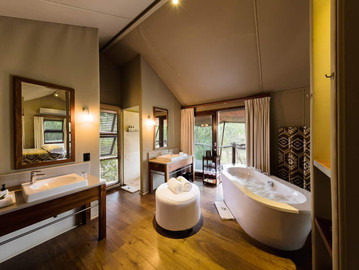 Buffalo-Camp-Tent-Interior-Bathroom-2.jpg