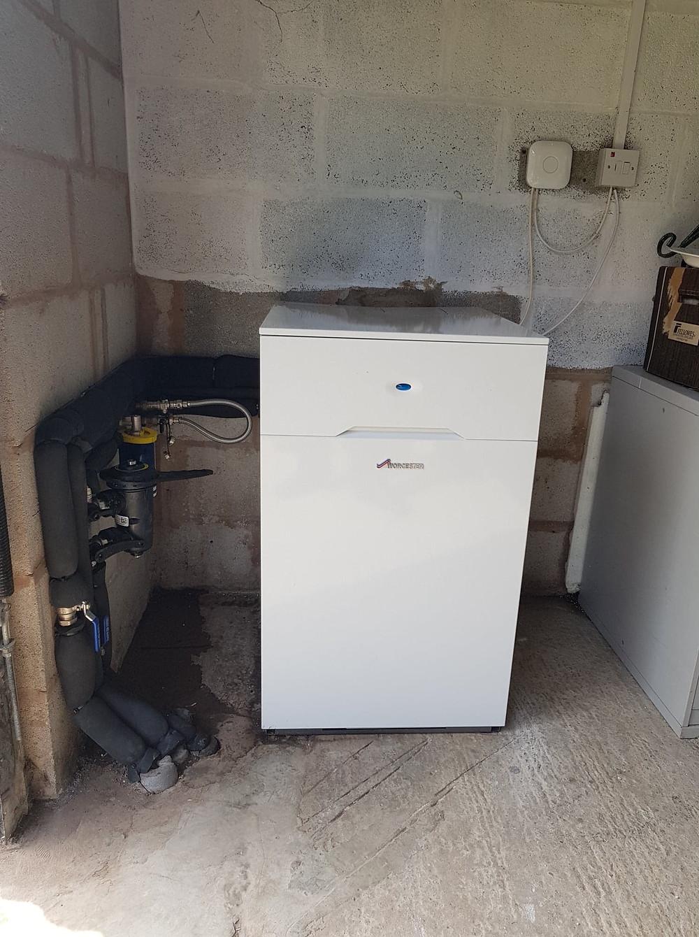 New Worcester Bosch Greenstar oil boiler installation by GO2 Heating Solutions