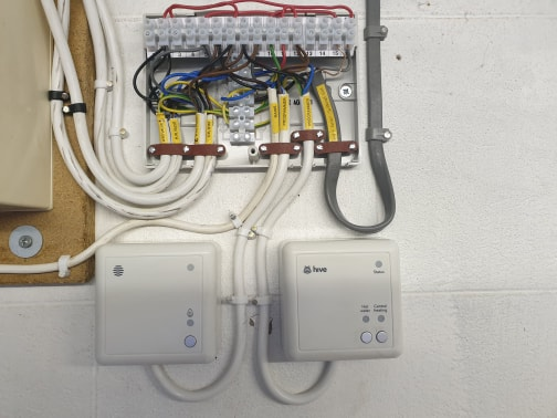 Hive smart thermostat multi-zone heating