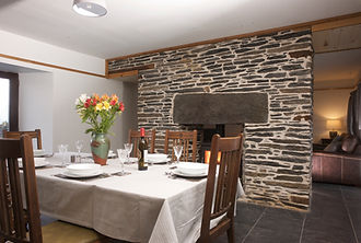 Dining Room towards fire.JPG