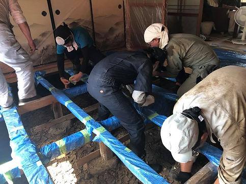 災害ボランティア愛知人が教える床下養生の方法
