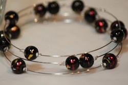 Bracelet dark china beads on memory