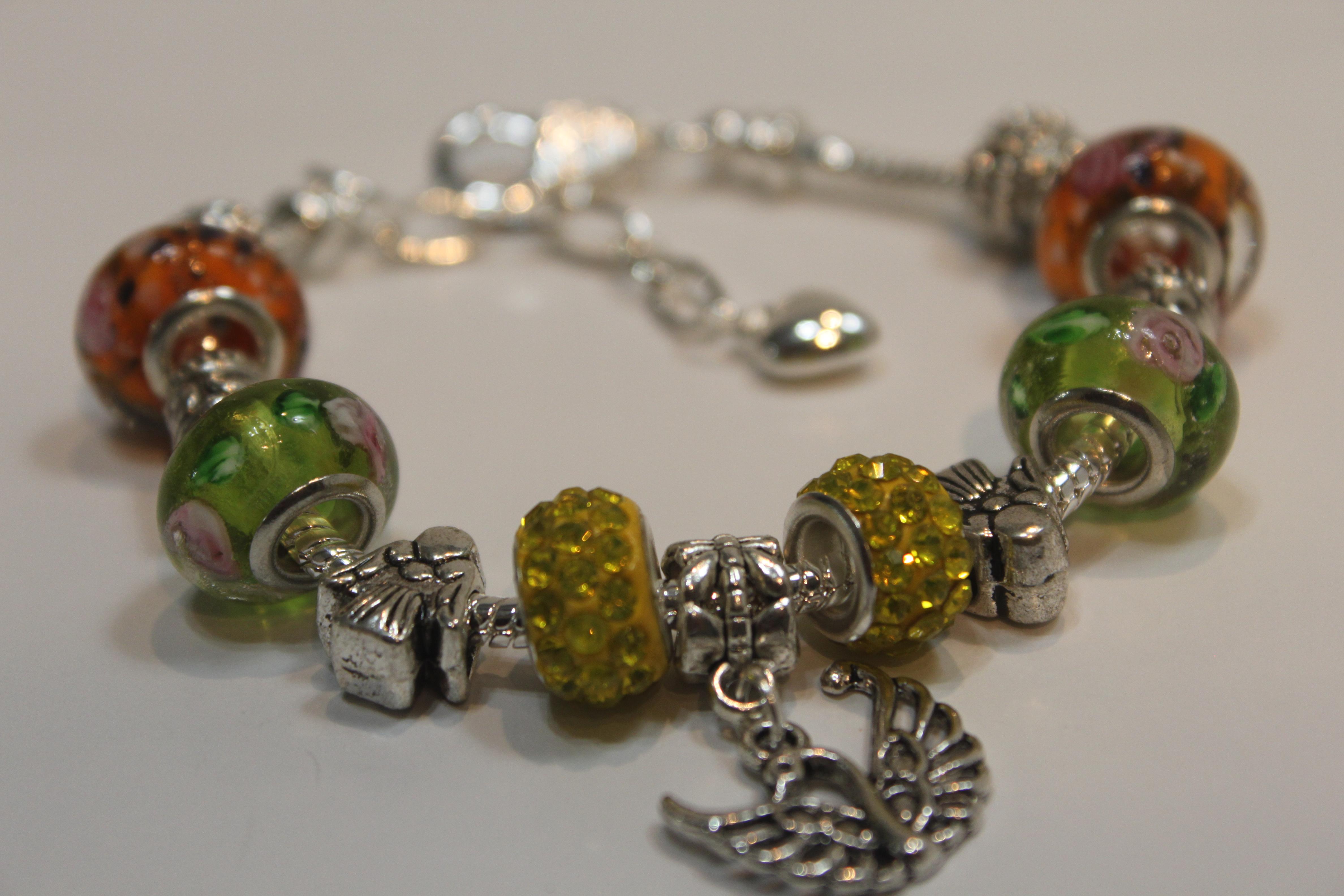 Bird charm bracelet - yellow lime