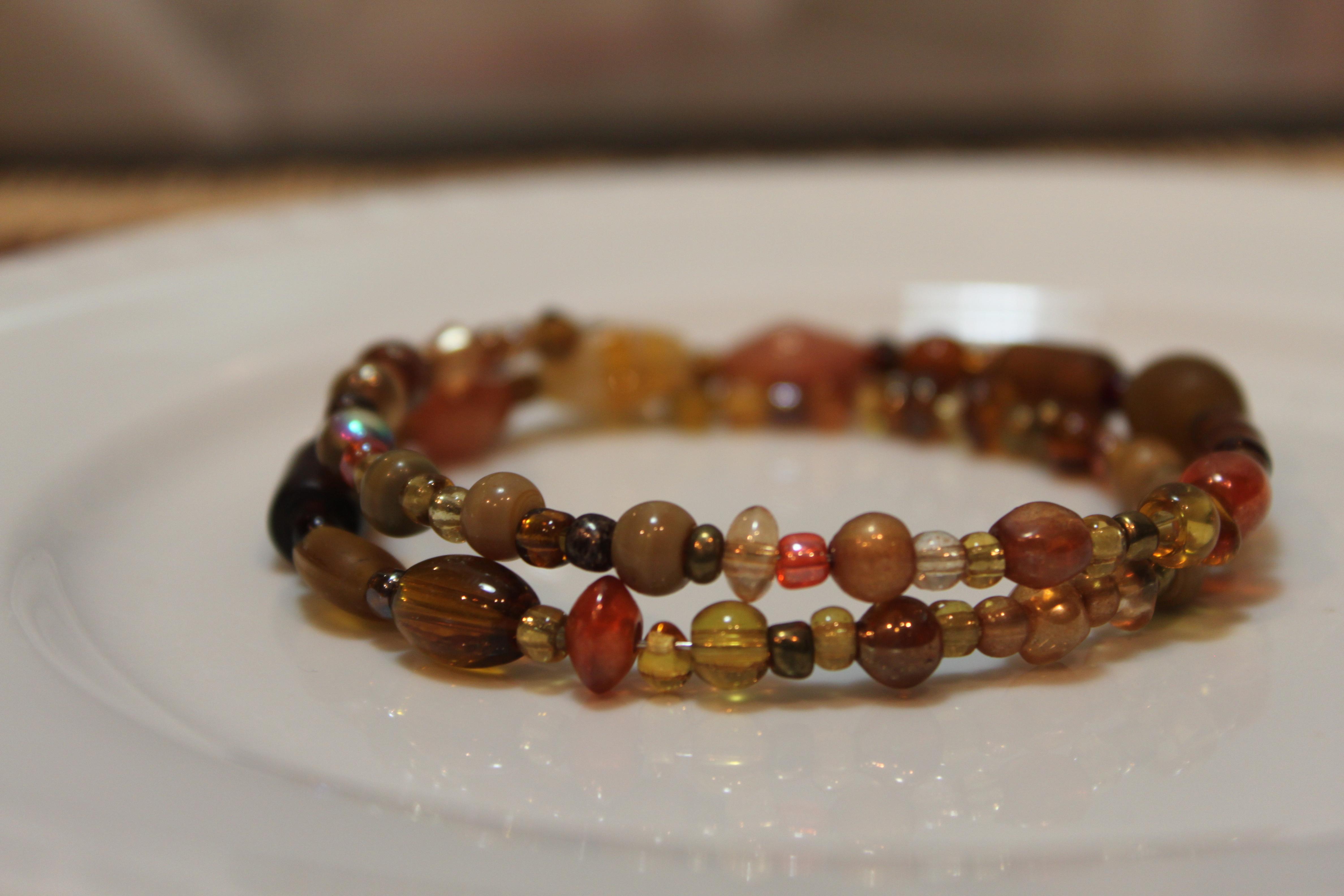 Amber tone bracelet in memory wire