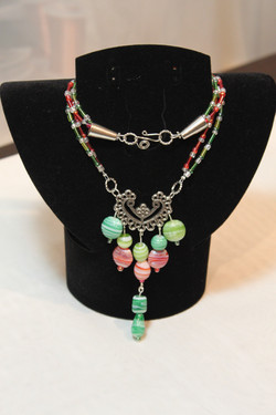 Necklace with bead pendant
