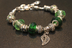 Leave charm bracelet - Grass Green