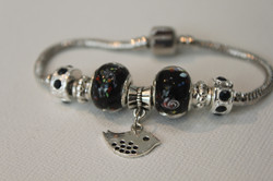 Bird charm bracelet black