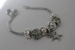 Star charm bracelet green metal
