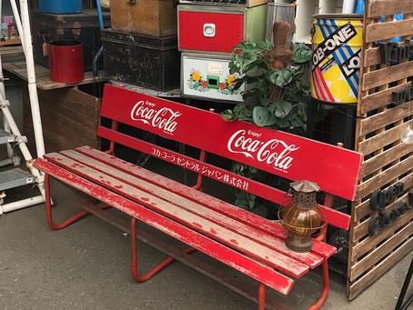 コカコーラ木製ベンチ