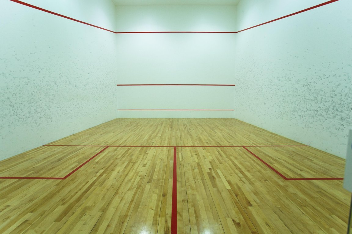 Photo of racquetball court at Las Dunas