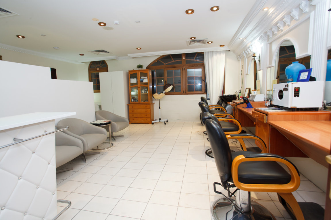 Photo of salon on site at Las Dunas