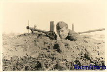 MG 26-30t and German soldier.jpg