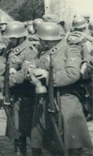 Berthier--TN Truppen w Rifles.jpg