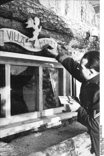 Bunker entrance with sign --Bundesarchiv