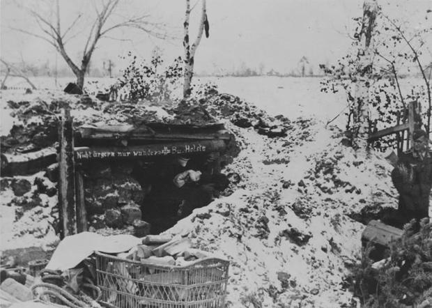 Bunker entrance with sign --Nicht ärgern