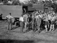 feldpost-ausgabe-an-der-ostfront-1940er-