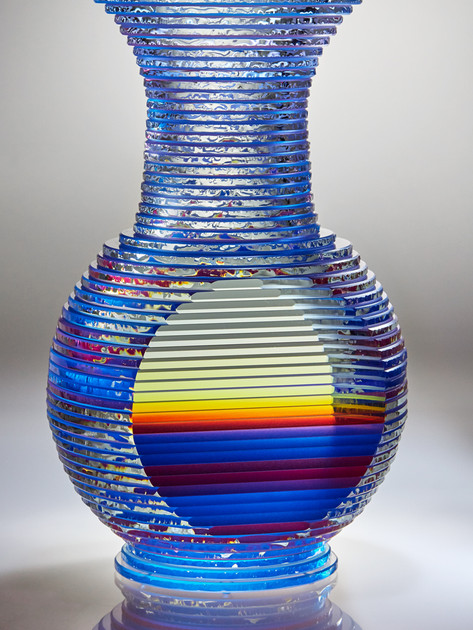 Middy Solid Vase Form Series