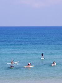 יום כיף בבריכה או בים | דרך ארץ
